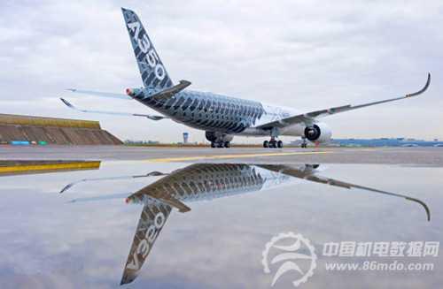 空客第3架A350XWB测试机身披碳纤维涂装亮相