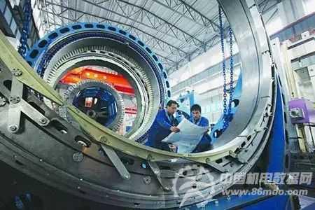 工信部副部长罗文:全面实施工业强基工程 着力三大突破